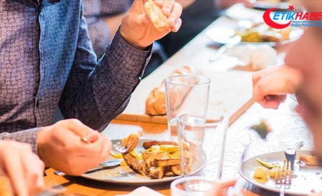 Bir öğün yenen ağır yemek bile kalbi zorlamaya yetiyor