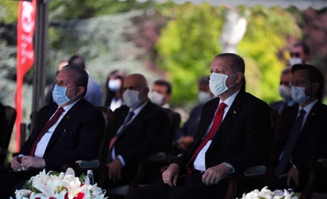 Cumhurbaşkanı Erdoğan Meclis'te düzenlenen 15 Temmuz anma törenine katıldı