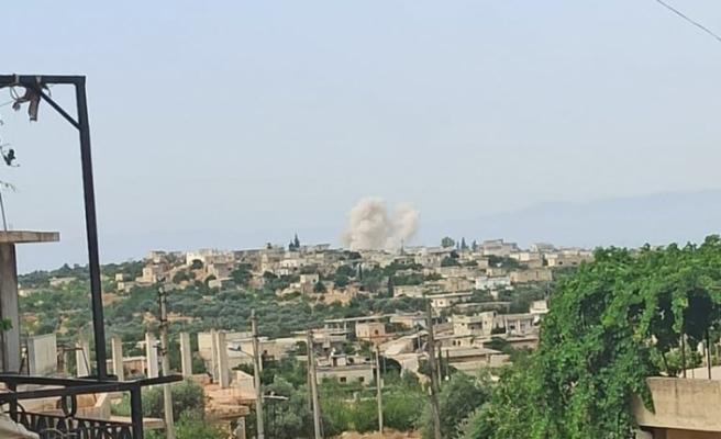 Esad rejimi İdlib kırsalını vurdu: 5 yaralı