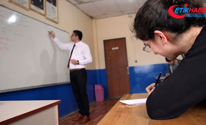 MEB'in lise son sınıfa geçen öğrencilere yaz dönemi destekleme kursu başladı
