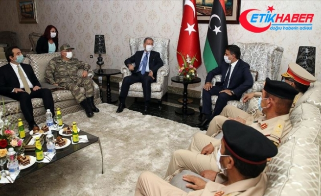Milli Savunma Bakanı Akar Libya'da
