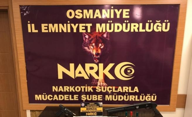 Osmaniye'de uyuşturucu satıcılarına yönelik operasyonlarda yakalanan 38 şüpheliden 11'i tutuklandı