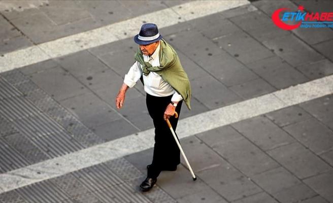 Pandemi sürecinde yetersiz fiziksel aktivite yaşlılarda kas erimesini artırıyor