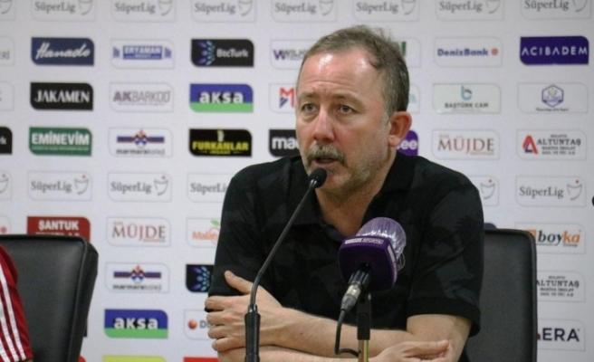 """Sergen Yalçın: """"8-10 yeni transfer şart"""""""