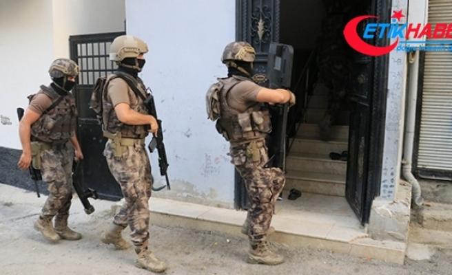 Adana'da organize şube şafak vakti birçok adrese operasyon düzenlendi