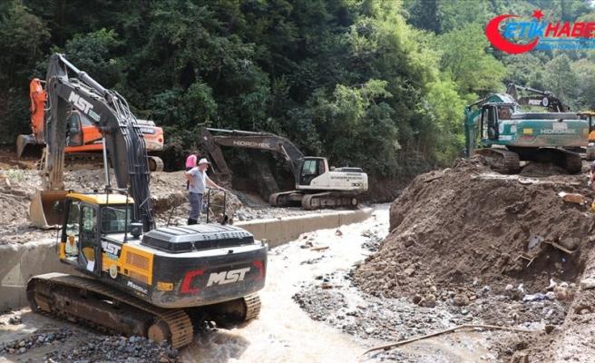 AFAD: Giresun'da kapanan 113 köy yolu ulaşıma açıldı
