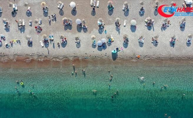 Antalya 15 günde 325 bin turist ağırladı