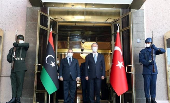 Bakan Akar, Libya Yüksek Devlet Konseyi Başkanı El-Meşri ile bir araya geldi