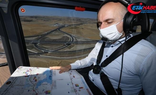 Bakan Karaismailoğlu Ankara-Niğde Otoyolu'ndaki çalışmaları havadan inceledi