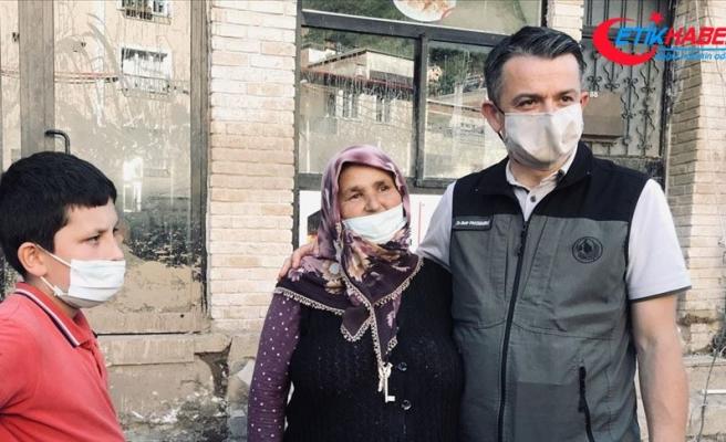 Bakan Pakdemirli, selde fındığı zarar gören kadının zararını karşılayacak