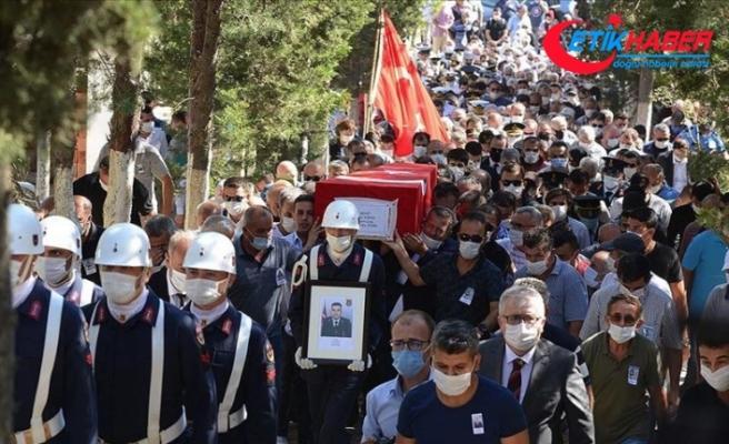 Giresun'daki selde şehit düşen Uzman Çavuş Kıran son yolculuğuna uğurlandı