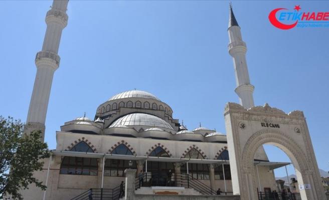 Hakkari'de yapımı tamamlanan Ulu Cami ibadete açıldı