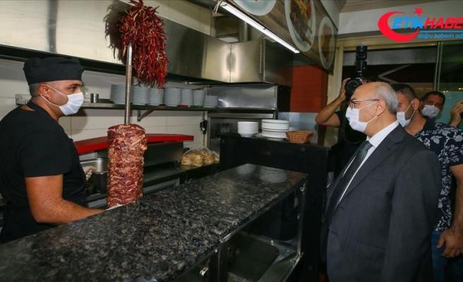 İzmir Valisi Köşger, Kovid-19 tedbirleriyle ilgili denetimlere katıldı