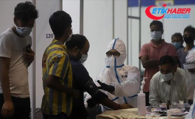 Kovid-19 nedeniyle son 24 saatte Hindistan'da 1021 kişi öldü