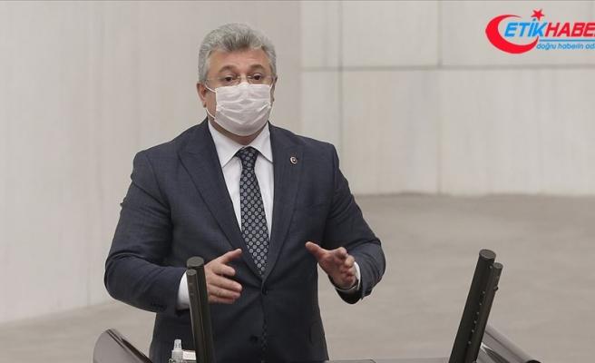 Kovid-19 tedavisi tamamlanan AK Parti Grup Başkanvekili Akbaşoğlu taburcu edildi