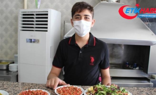 Özel kursa gitmedi, ailesinin işlettiği lokantada çalıştı, LGS'de Türkiye 1'incisi oldu