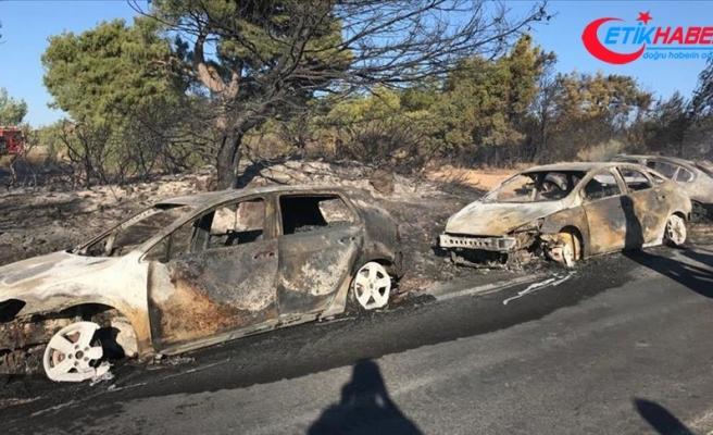 Seferihisar'da otluk alanda çıkan yangında yaklaşık 50 araç yandı