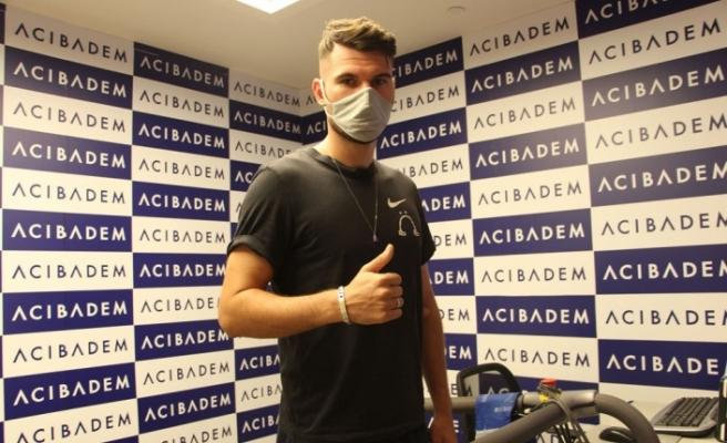 Sivasspor'un yeni transferi Robin Yalçın sağlık kontrolünden geçti