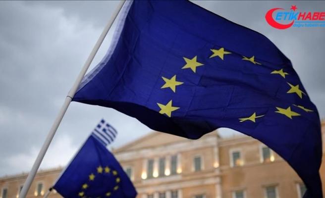 AB, Yunanistan'ın göçmenler konusunda hukuka uymasını bekliyor