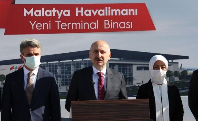 Bakan Karaismailoğlu: Dış hat uçuşlarımızı 127 ülkede 329 noktaya ulaştırdık