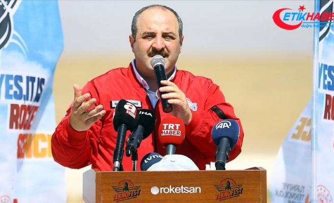 Bakan Varank: Bu yarışmalara geldiğimizde gençlerimizle gurur duyuyoruz