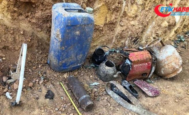 Bingöl'de PKK'lı teröristlere ait mühimmat ve yaşam malzemesi ele geçirildi