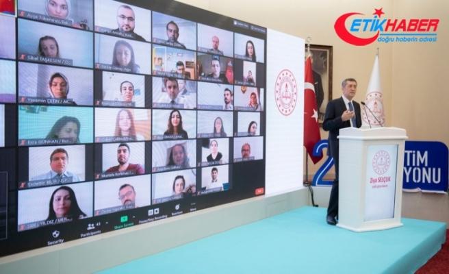 """''Çevrimiçi eğitimler düzenleyerek 896 bin öğretmenimizin bireysel gelişimine katkı sağladık"""""""
