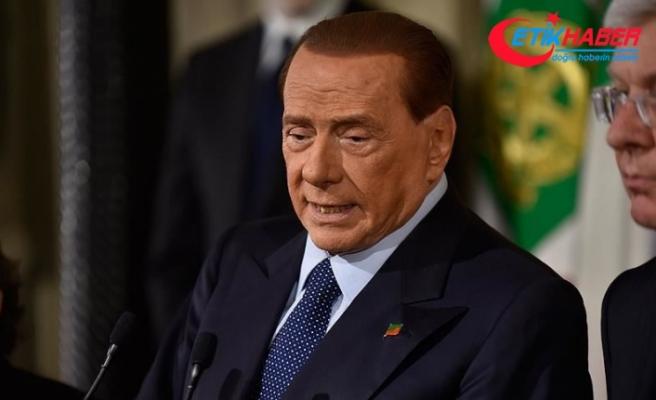 Eski İtalya Başbakanı Silvio Berlusconi Kovid-19'a yakalandı