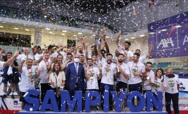 Fenerbahçe HDI Sigorta şampiyonlar kupasının sahibi oldu