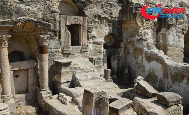 Göbeklitepe'nin gizemi kaya mezarlarındaki kazılarda aranıyor