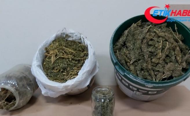 Manisa'da 3 ilçede uyuşturucu operasyonu: 6 gözaltı