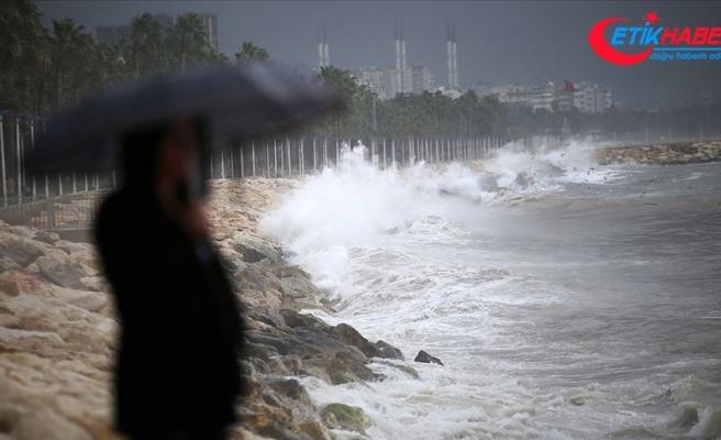 Meteorolojiden İzmir'in doğusu için rüzgar ve fırtına uyarısı