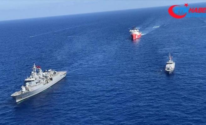 MSB: Denizlerde araştırma yapan gemilere koruma ve refakat görevi devam ediyor