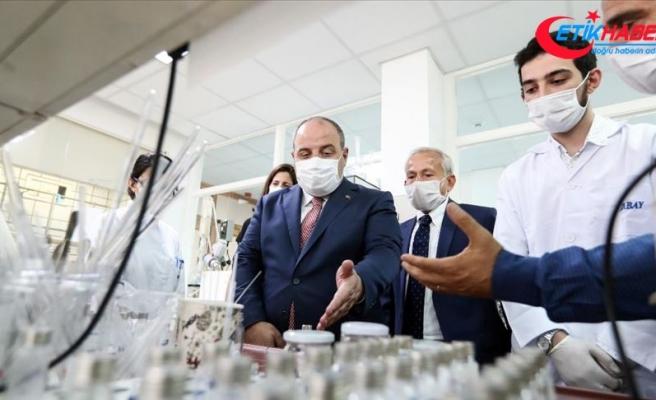 Sanayi ve Teknoloji Bakanı Varank: İlaç endüstrisi savunma sanayisi kadar önemli