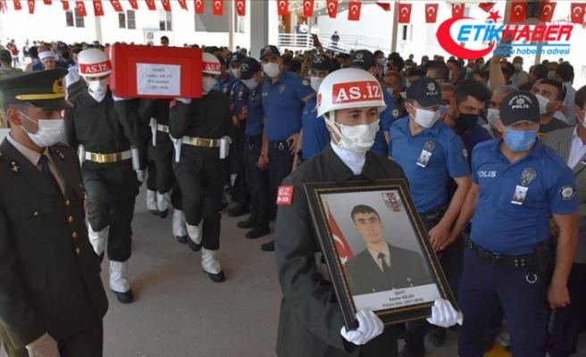 Şehit Uzman Onbaşı Serdar Aslan Gaziantep'te son yolculuğuna uğurlandı