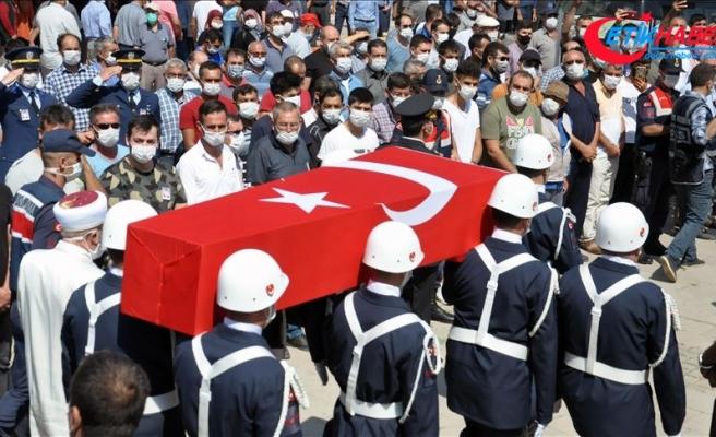 Şehit Jandarma Astsubay Kıdemli Çavuş Sinan Aktay Konya'da son yolculuğuna uğurlandı