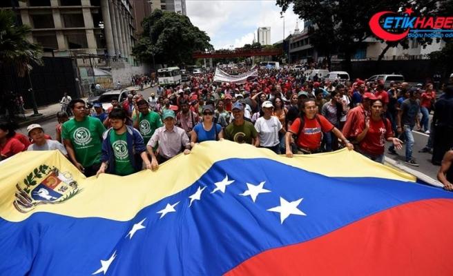 Venezuela'da Maduro yönetimi parlamento seçimleri öncesi 110 muhalefet liderini affetti