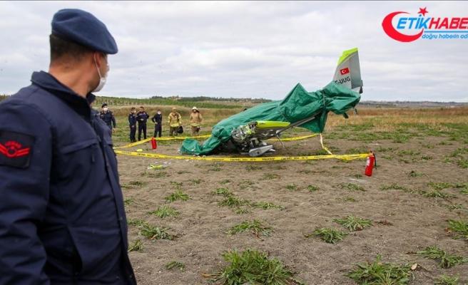 Büyükçekmece'de boş araziye düşen eğitim uçağının pilotu hayatını kaybetti