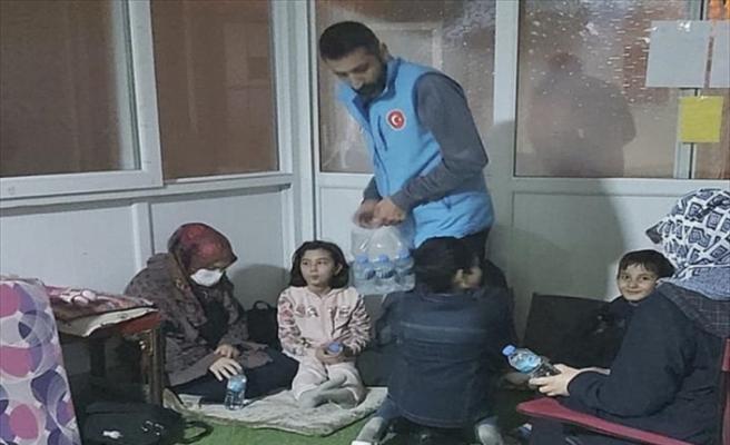Diyanet İşleri Başkanlığı: Bazı depremzedeler geceyi camilerde geçirdi