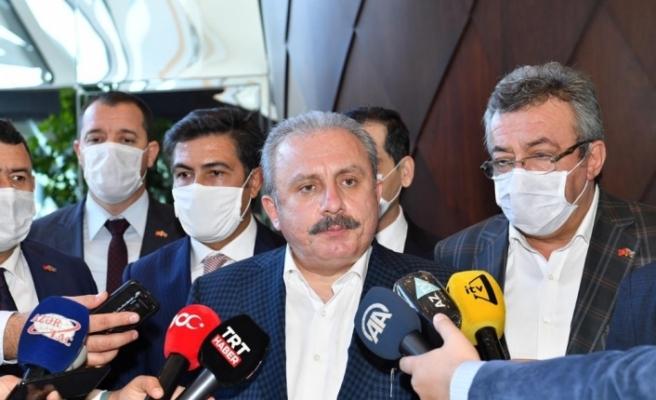 """""""Ermenistan savaşın hukukuna ve ahlakına riayet etmeksizin kalleşçe sivillere saldırmaktadır"""""""