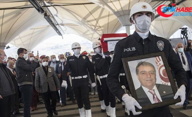 Eski Sağlık Bakanı Osman Durmuş son yolculuğuna uğurlandı