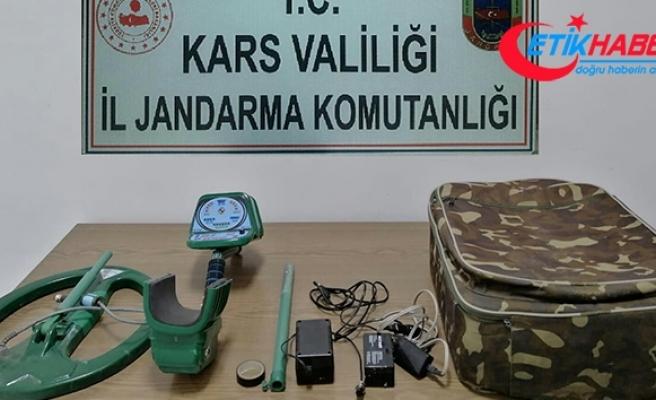 Kars'ta define arayan 5 kişi suçüstü yakalandı