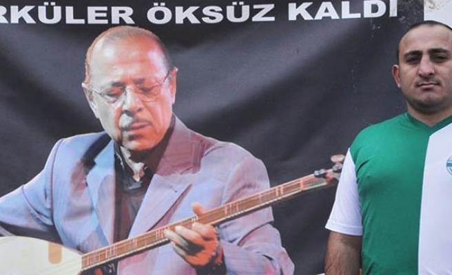 """Kırşehir Belediyespor Neşet Ertaş Taraftar Gurup Lideri Amigo Halil, """"Kurallara uyarak sahalarda olmak istiyoruz"""""""