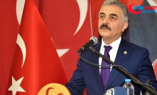 MHP'li İsmet Büyükataman: Davutoğlu, Neşeli Günler'in Palavra Bakanı Ziya'yı solda sıfır bırakır