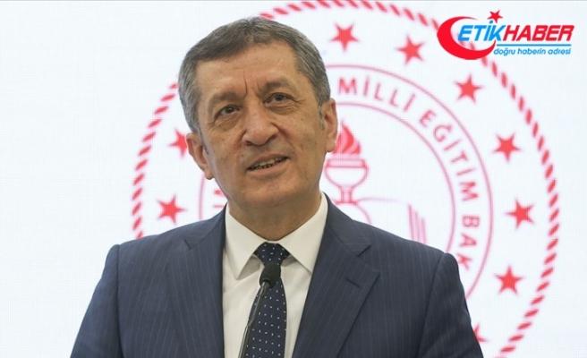 Milli Eğitim Bakanı Selçuk: Şimdiye kadar 60 bin civarında tabletin dağıtımı gerçekleştirildi