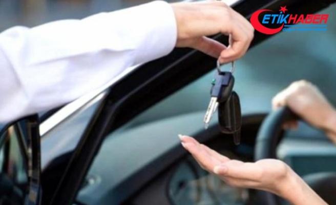 Otomobil fiyatları ne zaman düşecek? Galericiler merak edilen soruya cevap verdi