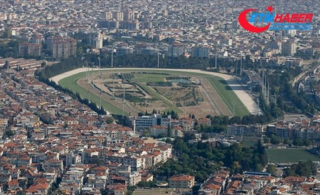 TJK İzmir'deki depremin ardından Şirinyer Hipodromu'nu halkın kullanımına açtı