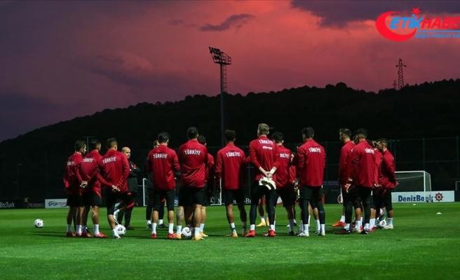 A Milli Futbol Takımı'na yapılan Kovid-19 testleri negatif çıktı