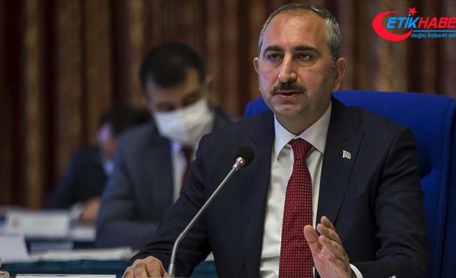 Adalet Bakanı Gül: Hukukun araçsallaştığı dönemlerde şüpheden sanık yararlanmadı çünkü yargı değil ön yargı vardı