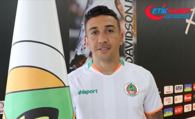 Alanyaspor'un Brezilyalı futbolcusu Davidson performansıyla beğeni topluyor